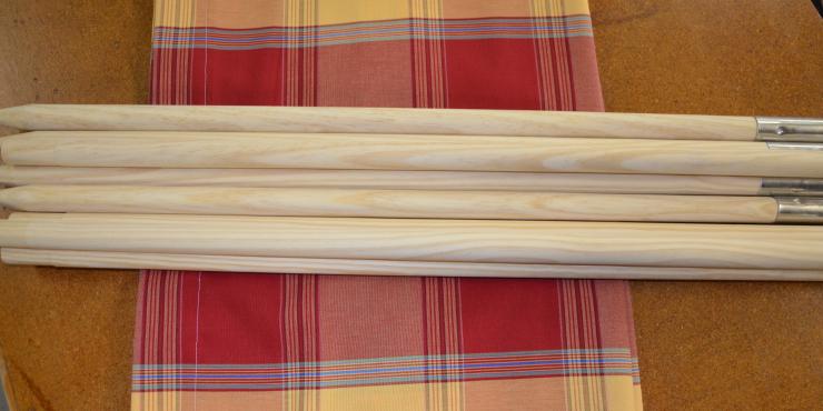 Windscherm Rood/Geel geruit 4 meter, stockactie nummer 150